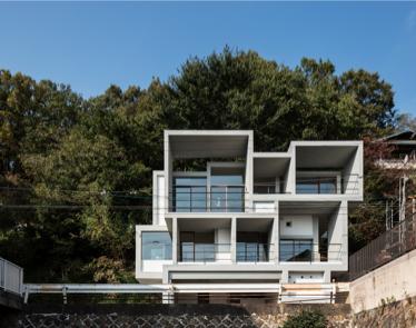 『Slide House』が第17回JIA環境建築賞に入賞しました。