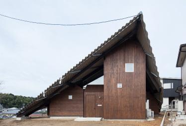 『雨やどりの家』が第15回JIA環境建築賞で入賞しました。