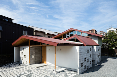 『囲の家』が第10回 建築コンクール「醸しだす建築」で最優秀賞を受賞しました。