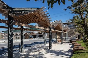『堅田駅西口広場』の竣工写真をworksにアップしました。