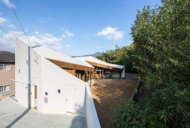 『折り壁の段床』が日事連建築賞で奨励賞 を受賞しました。