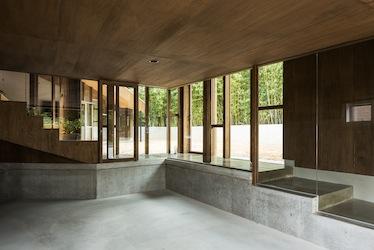 折り壁の段床