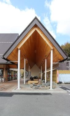 『おごと温泉観光公園 足湯施設 改築工事』の竣工写真をworksにアップしました。