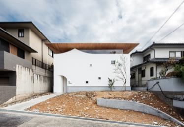 『浮きヤネの家』が第12回くすのき建築文化賞で最優秀賞を受賞しました。